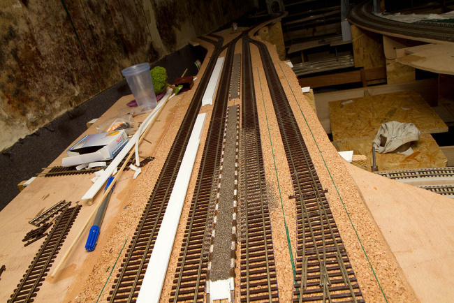 Celkový pohľad na budúcu stanicu s rozmiestnením nástupíšť